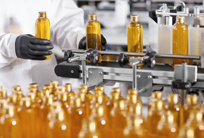 transparent-plastic-bottles